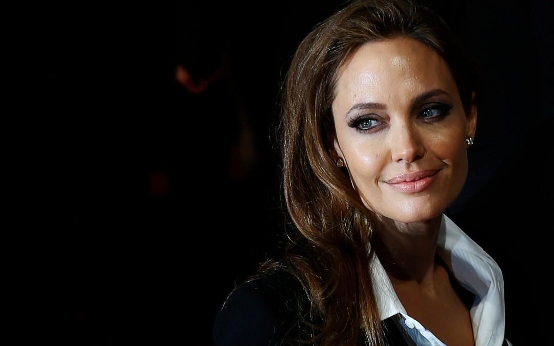 Cum e sa fii Angelina Jolie?
