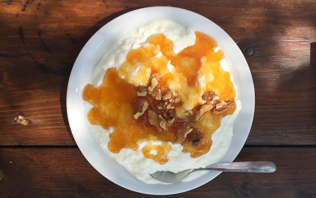 Cinci idei de combinatii cu iaurt pentru cinci zile de scoala