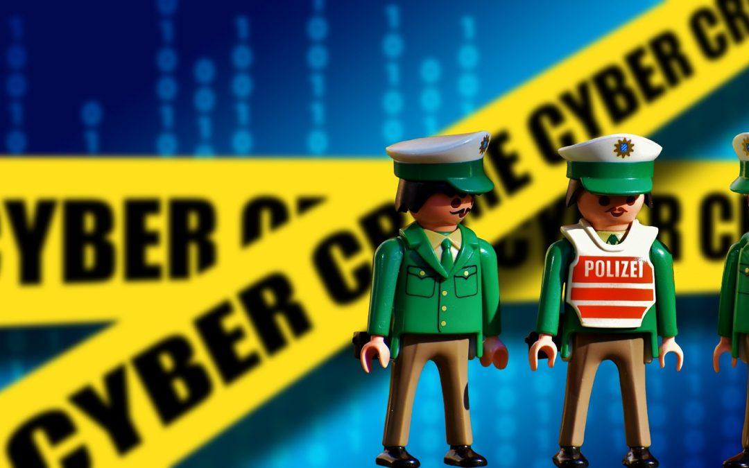 Capcane cibernetice pentru adolescenti